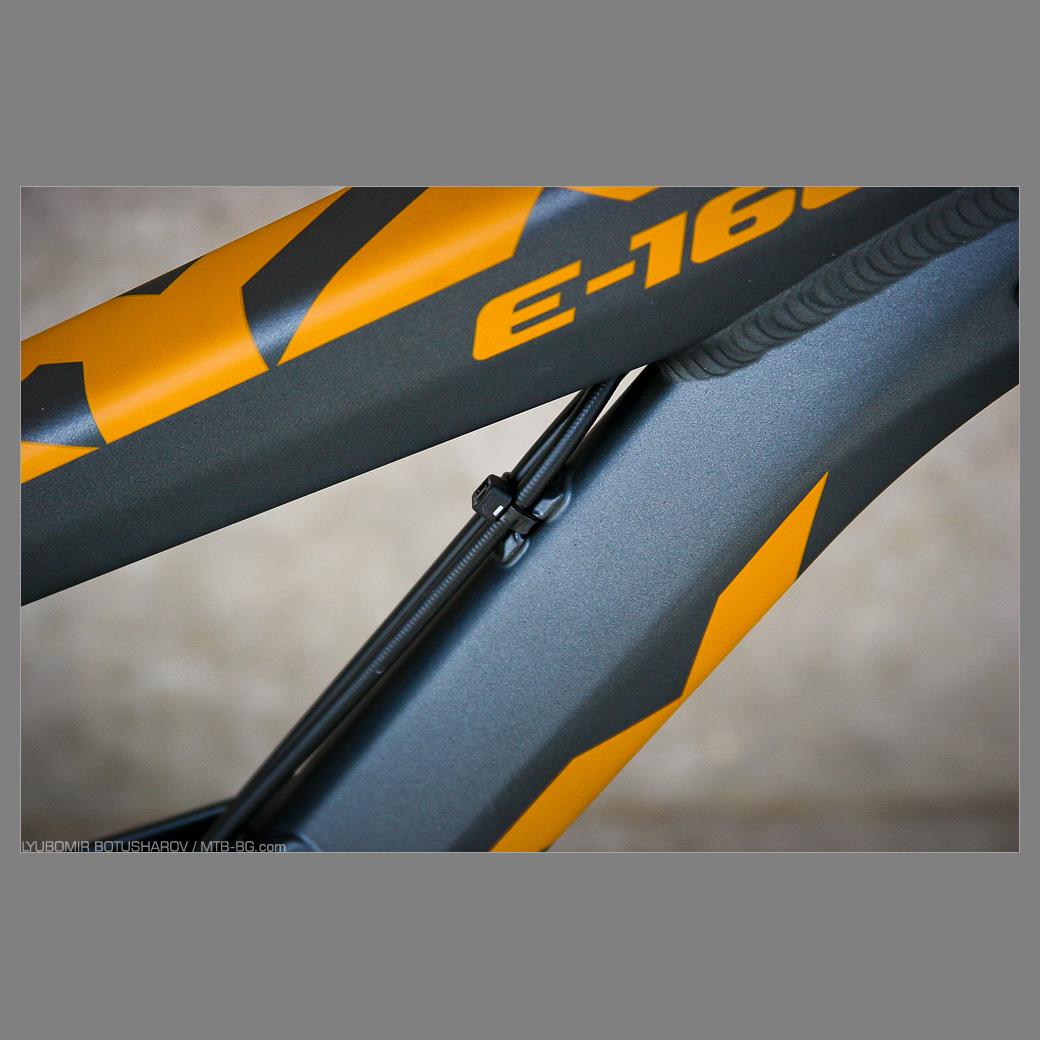 Вие разглеждате снимки от статията: Oryx E-160