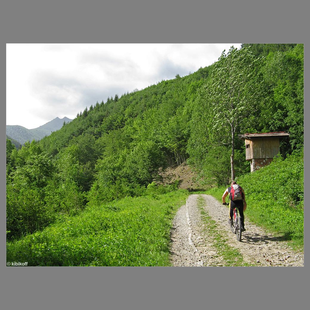 Вие разглеждате снимки от статията: Смесите - хижа Амбарица